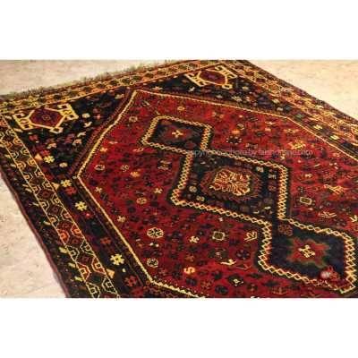 فرش دستباف شیراز لاکی کد 108041